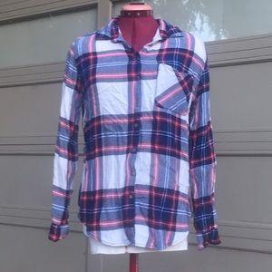 Tops - 🌟BOGO🌟Blue Red and White soft plaid shirt.